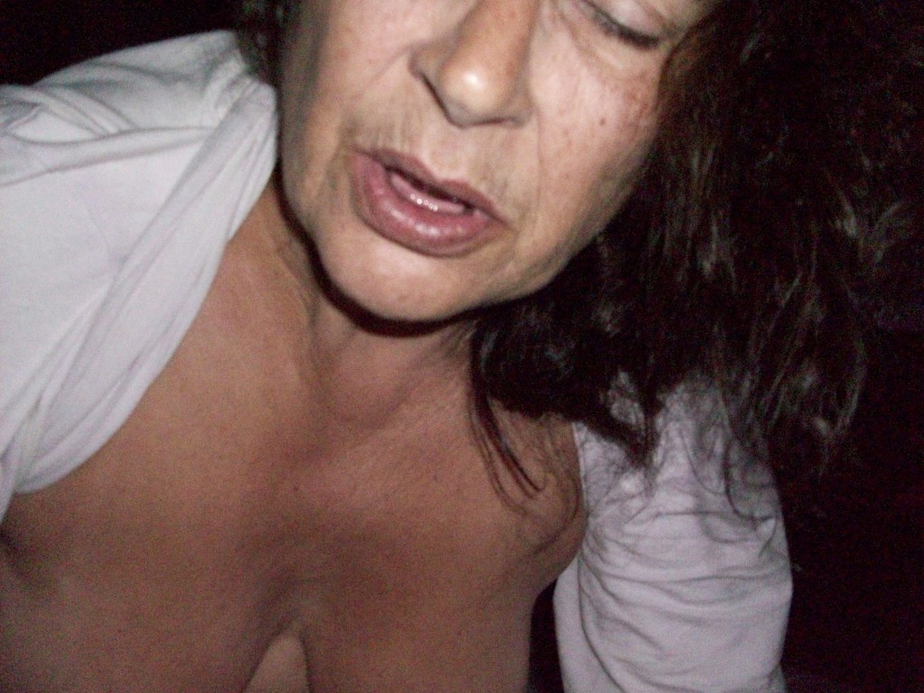 kåta äldre tanter sensuella underkläder